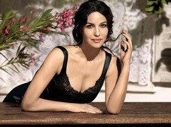 Моника Беллуччи поддержала матерей-одиночек и Dolce & Gabbana