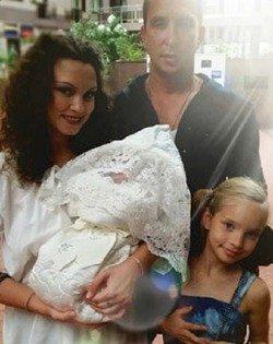 Супруга Данко чуть не умерла во время родов