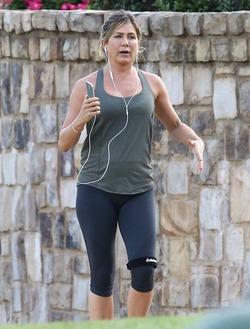 Дженифер Энистон сильно набрала вес за медовый месяц