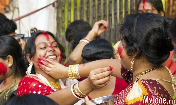В Индии начался фестиваль красок Холи
