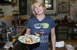 Юлия Высоцкая открывает недорогой ресторан
