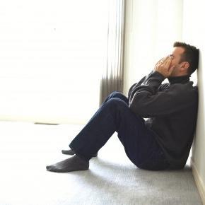 Муж попал в сложную ситуацию. Как его поддержать?