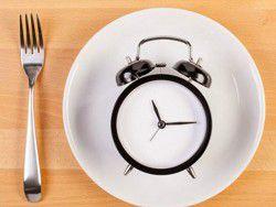 Чтобы улучшить здоровье, следует изменить время ужина?