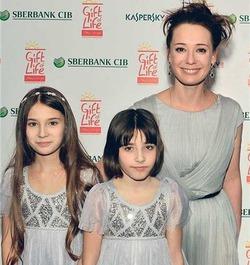 Чулпан Хаматова призвала родителей не обращать внимания на школьные оценки детей