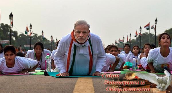 Как Индия превращает йогу в инструмент международного влияния - «Эзотерика»