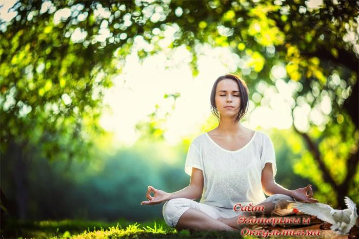 Зачем современным женщинам нужна медитация - «Эзотерика»
