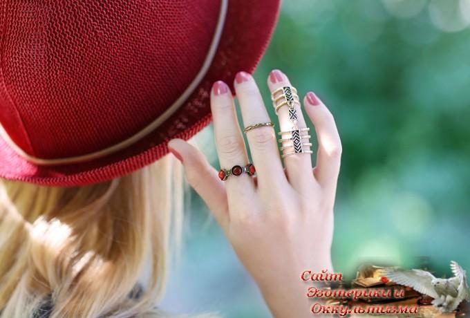 Как нужно носить кольца в зависимости от преследуемых вами целей? - «Эзотерика»